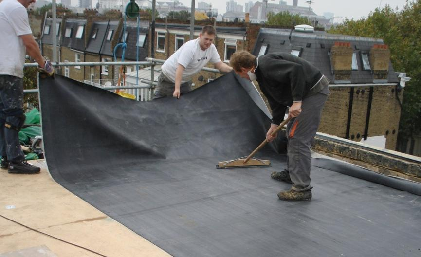 Edpm Rubber Roof Being Laid